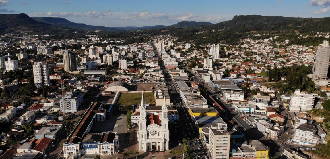 Prefeitura de Rio do Sul congela reajuste de alvarás e taxa do lixo para 2021