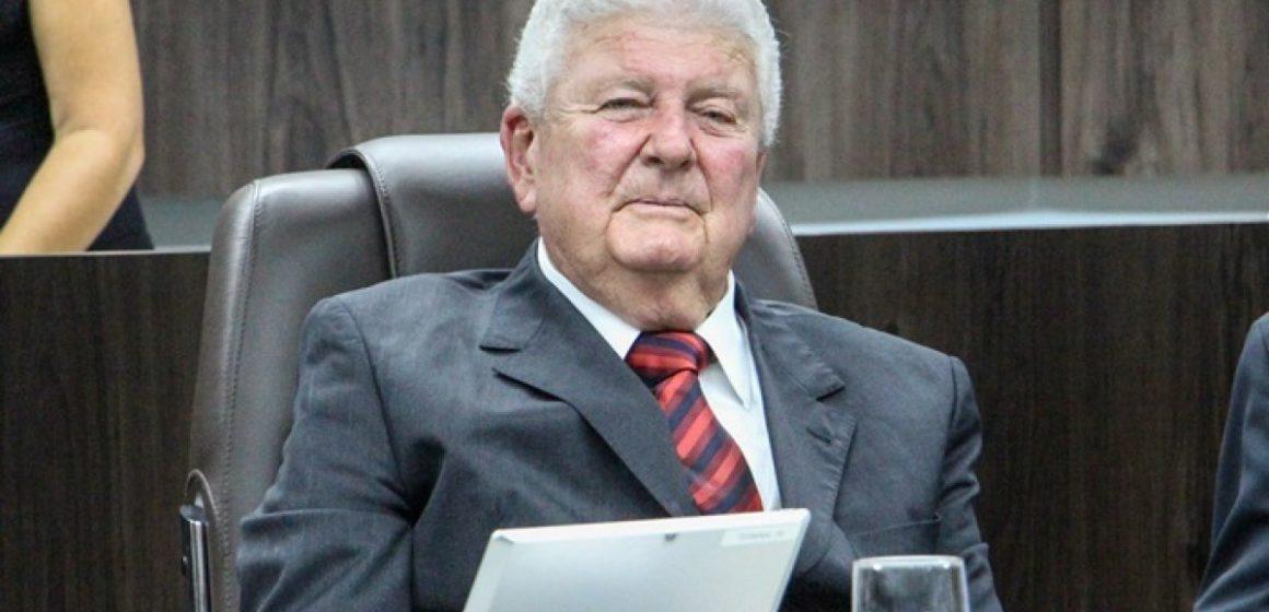 Ex-prefeito de Rio do Sul, Artenir Werner, morre de Covid-19