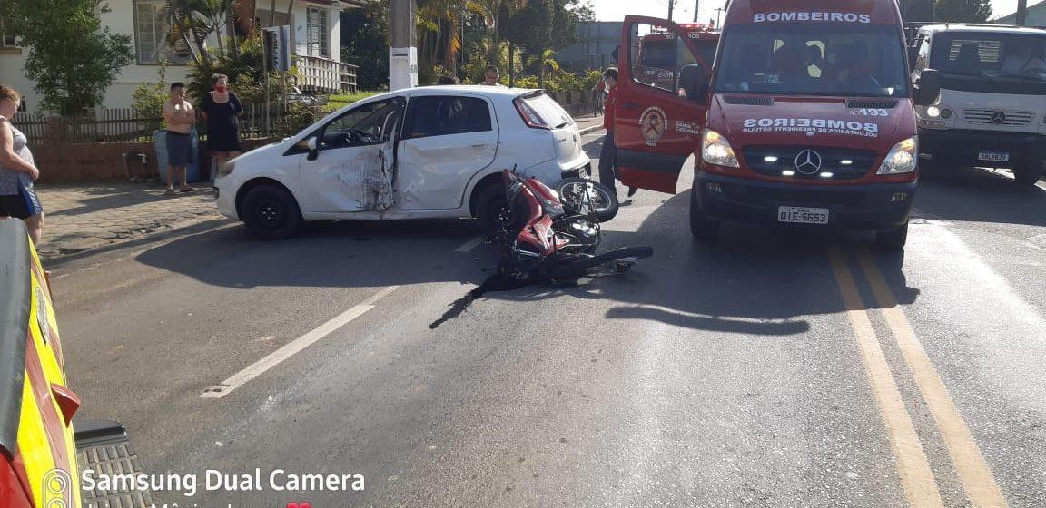 Motociclista fica ferido em acidente de trânsito no centro de Presidente Getúlio
