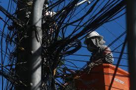 Celesc deve restabelecer fornecimento de energia nas cidades mais afetadas pelo temporal somente na sexta-feira
