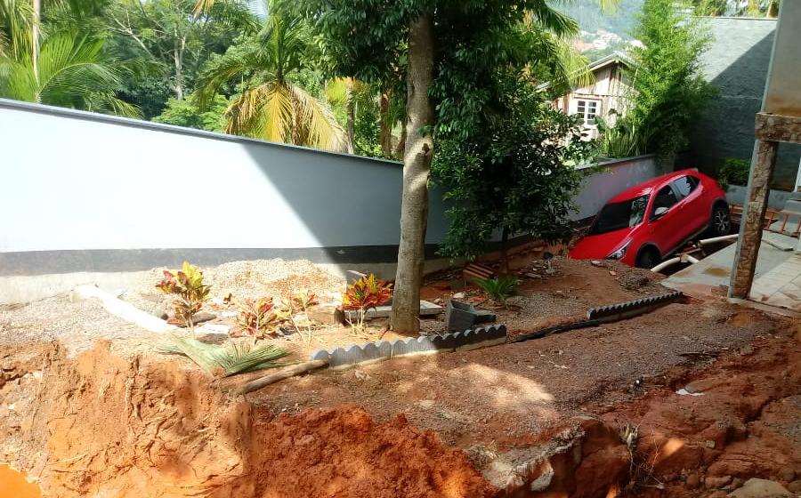 Temporal provoca rompimento de rede de drenagem no Jardim Alexander, em Rio do Sul