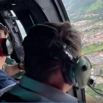 Presidente Jair Bolsonaro sobrevoa áreas atingidas no Alto Vale
