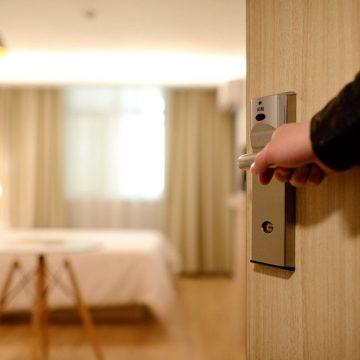 Durante esta semana o governador Carlos Moisés anunciou a liberação de 100% da ocupação do setor hoteleiro em SC