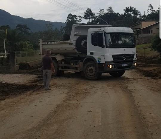 Secretaria de Obras continua trabalho de recuperação na Valada São Paulo