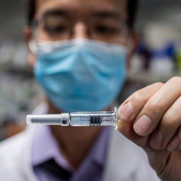 Secretaria de Saúde de SC se reúne com representantes de vacinas e estuda importação de doses diretamente da China