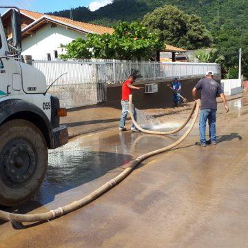 resolução garante que consumidores atingidos pela enxurrada tenham desconto nas tarifas de água da Casan