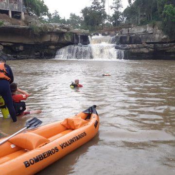 Com sinalização de áreas de risco para banho, bombeiros orientam como evitar acidentes em cachoeiras e rios