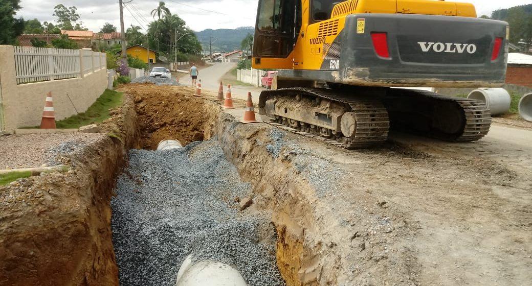Obras impactam trânsito em vias na Valada São Paulo e Ladeira Joaquim Nabuco, em Rio do Sul