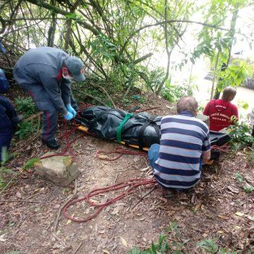 Corpo é encontrado em rio, no município de Aurora