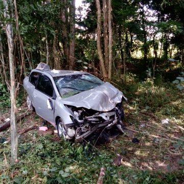 Três pessoas ficam gravemente feridas após colisão entre quatro veículos na BR-470, em Agronômica