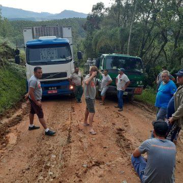 Comunidade do Vale Norte pede reparo na ponte entre as cidades de Dona Emma e Presidente Getúlio
