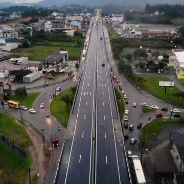 Liberado novo viaduto na BR-470 em Indaial