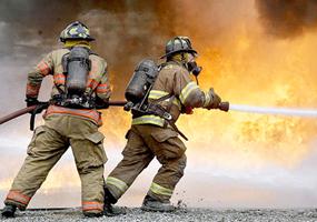 Incêndio destrói veículo e cerca de 130m² de propriedade em Ituporanga