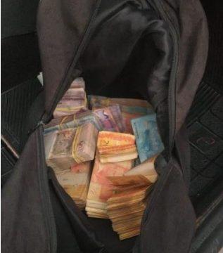 Mais de R$ 70 mil são recuperados com um dos criminosos do assalto a banco em aurora