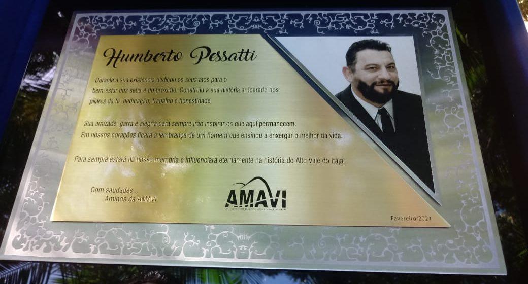 Familiares de Humberto Pessatti recebem homenagem na primeira assembleia do ano da Amavi