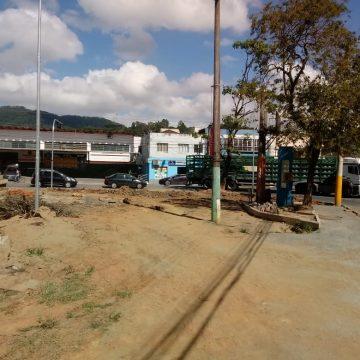Nova empresa assume obras de revitalização da Praça Jucelino Kubitschek, no bairro Canoas