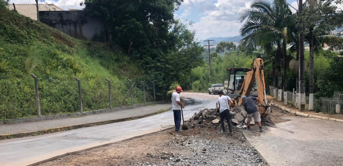 Cronograma da secretaria de obras prioriza pavimentação na Rua da Câmara Junior