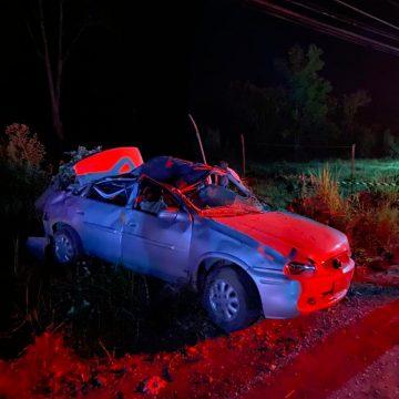 Homem morre após carro sair da pista e bater em barranco, em Rio do Campo