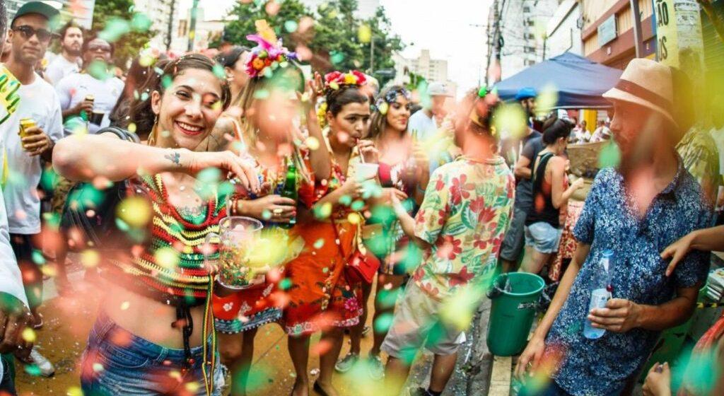 Com pandemia e cancelamento de festas, governo de SC cancela ponto facultativo no Carnaval