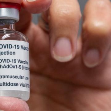 Deputados cobram que Estado agilize compra direta de imunizantes