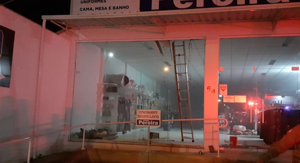 Uma pessoa fica ferida após princípio de incêndio em loja de Presidente Getúlio