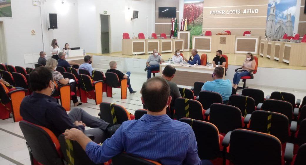 Prefeitos da microrregião da cebola discutem a possibilidade de abertura de novos leitos