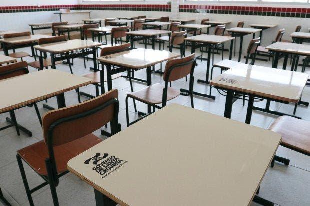 Lontras programa sanitização quinzenal de salas de aulas