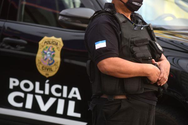 Operação da Polícia Civil em Pouso Redondo cumpre quatro mandados de busca e apreensão e três prisões