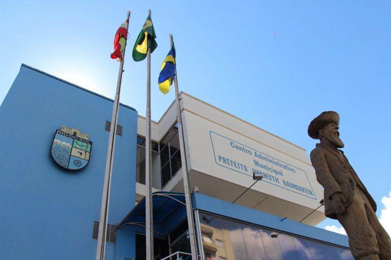 Após ter renovação da cessão negada pelo estado, servidor da prefeitura de RSL pede exoneração e volta para o IGP