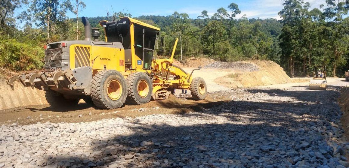 Serra do Tucano permanece em obras com trânsito fechado por pelo menos mais 40 dias