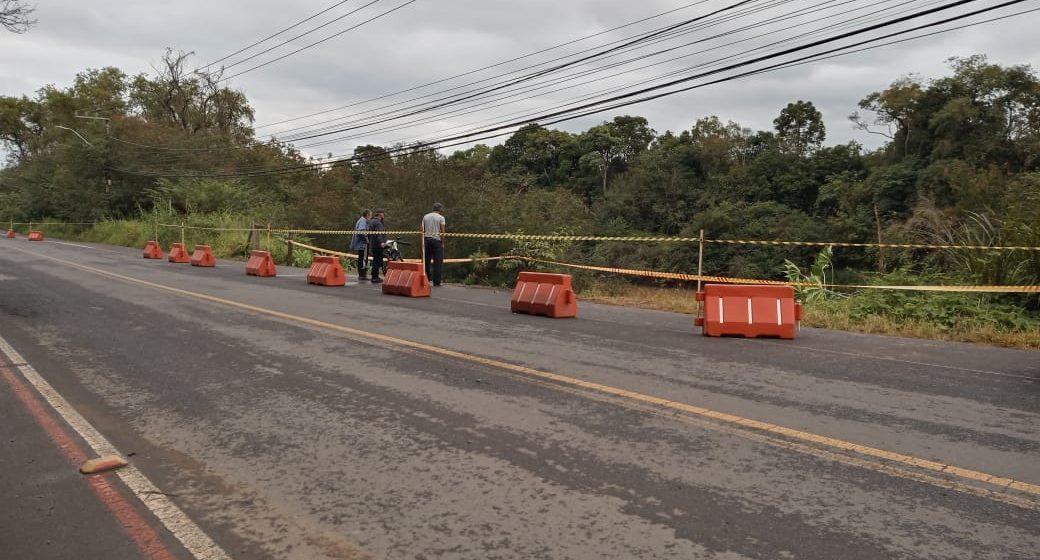 Defesa Civil interdita área na Estrada da Madeira, no bairro Barragem
