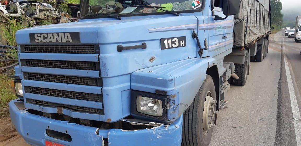 Descida da Serra São Miguel, em Ibirama, fica congestionada por cinco horas após tombamento de carreta