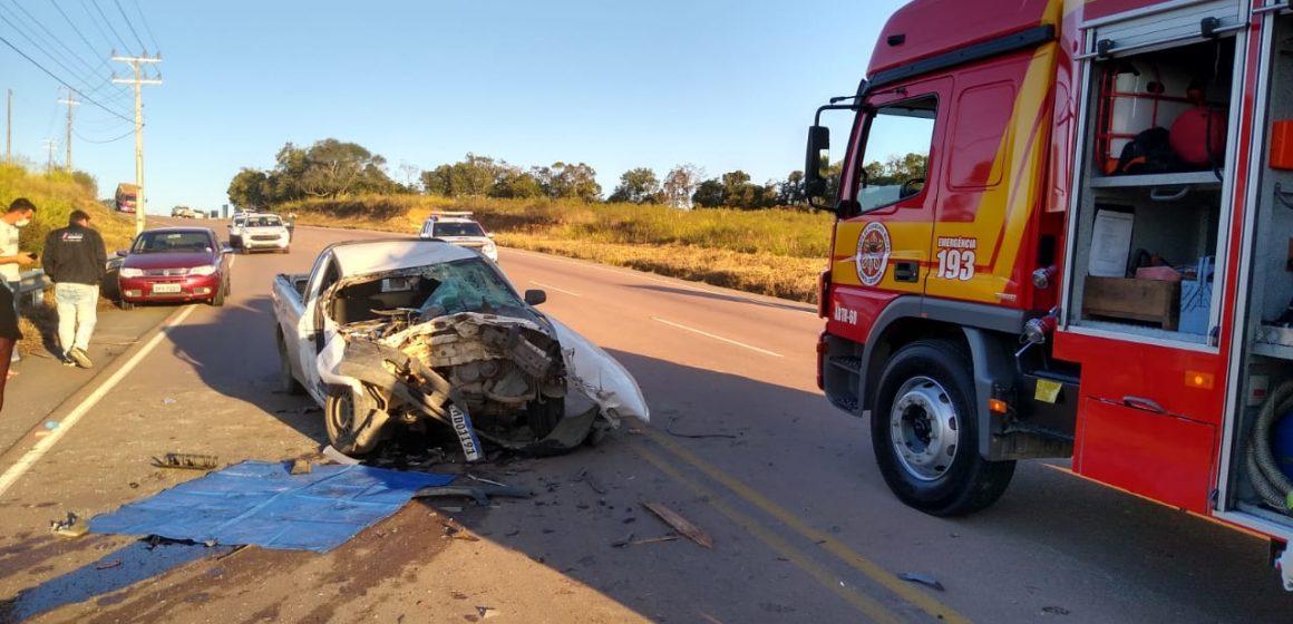 Homem fica gravemente ferido em colisão traseira com caminhão, em Ituporanga