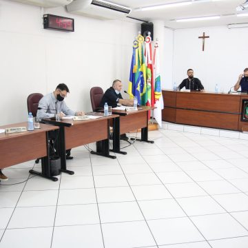 Moção da Câmara, ao prefeito de Rio do Sul, pede cadastramento online da vacina contra a Covid-19
