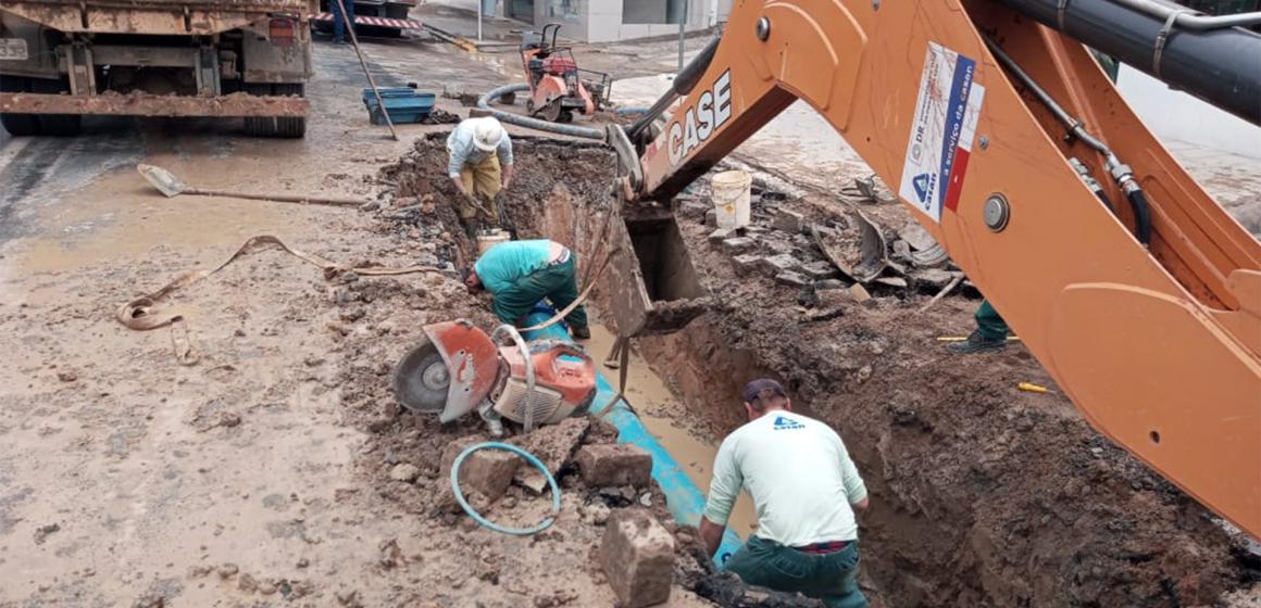 Rompimento de adutora afeta abastecimento de água em todo sistema integrado da Casan de Rio do Sul