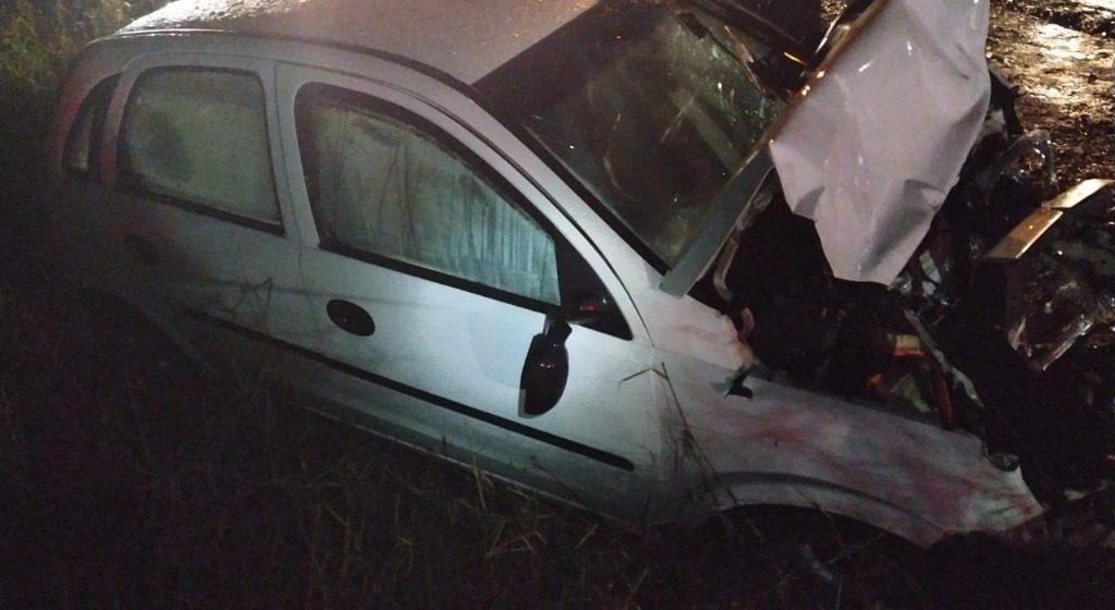 Homem morre em colisão envolvendo carro e caminhão, na BR-470, em Lontras