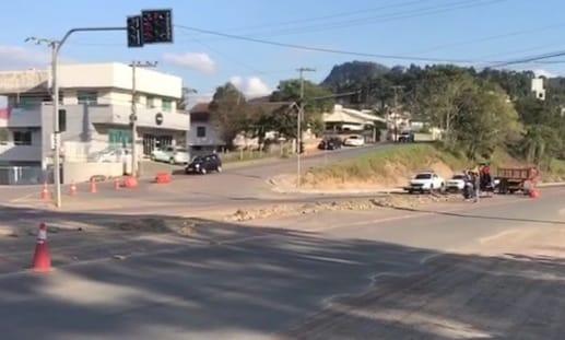 Com obras na Estrada Blumenau, mudanças no bairro Taboão já estão sendo implantadas