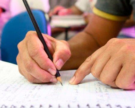 Quase 30 mil trabalhadores da região não concluíram o Ensino Médio