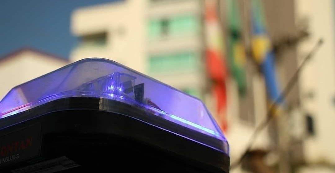 Apresentações e venda de artigos em semáforos podem resultar em multa