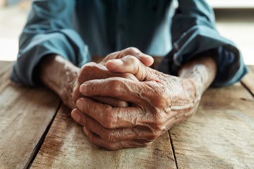 Aumenta a violência contra idoso durante a pandemia