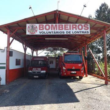 Corpo de Bombeiros de Lontras faz cerimônia de despedida à ambulância