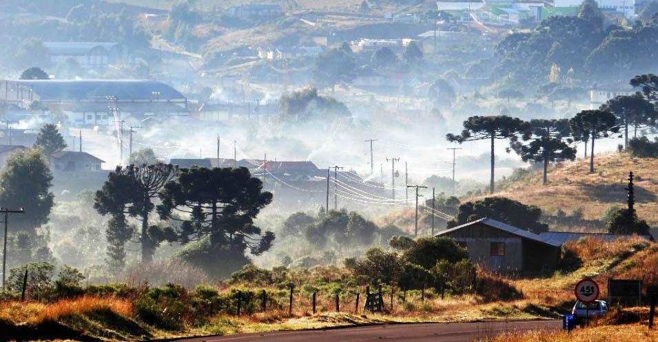 Frio atrai turistas para a serra catarinense no feriado prolongado