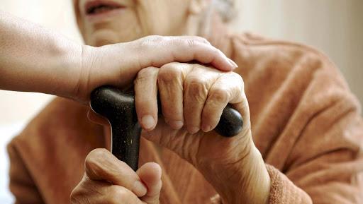 Denúncias de violência contra idosos cresceram durante a pandemia