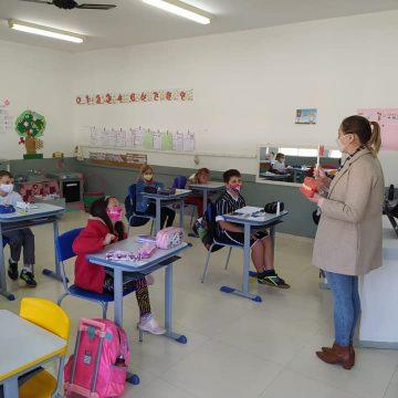 Após conclusão de obra, dois centros de educação infantil, em Aurora, serão unificados