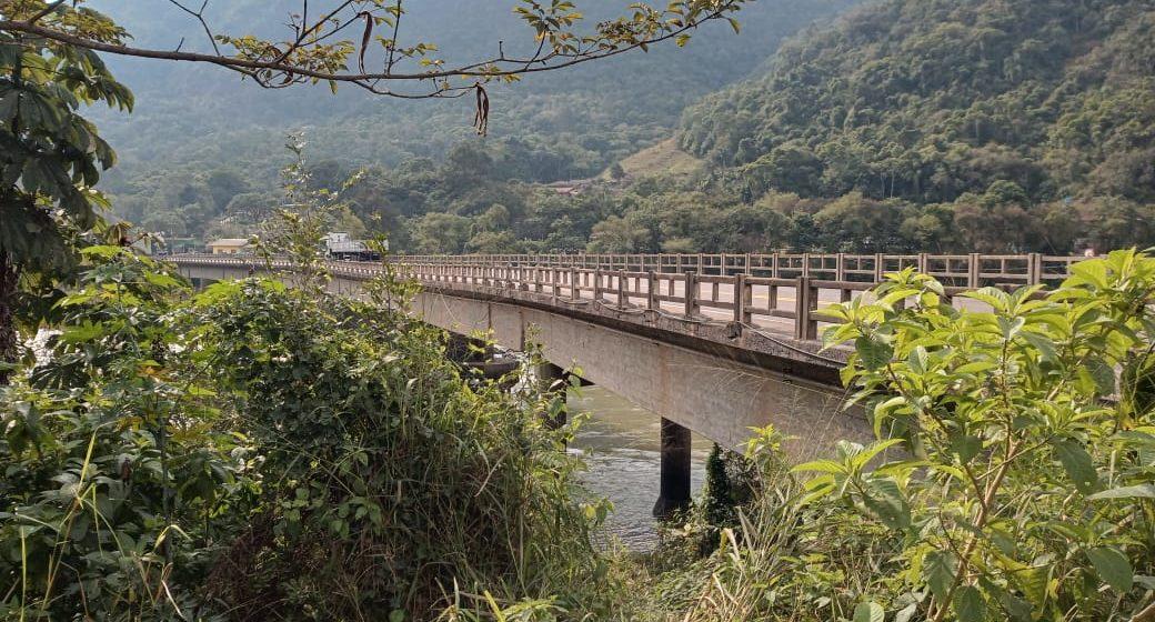 Protesto, nesta manhã, pede manutenção urgente da ponte entre Ibirama e Apiúna, na BR-470