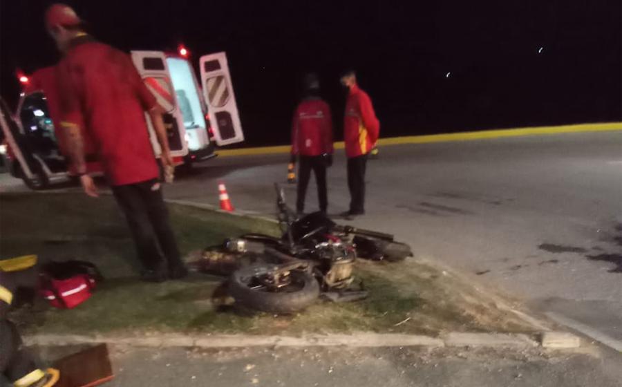 Motociclista fica gravemente ferido após colisão com carro na BR-470, em Lontras
