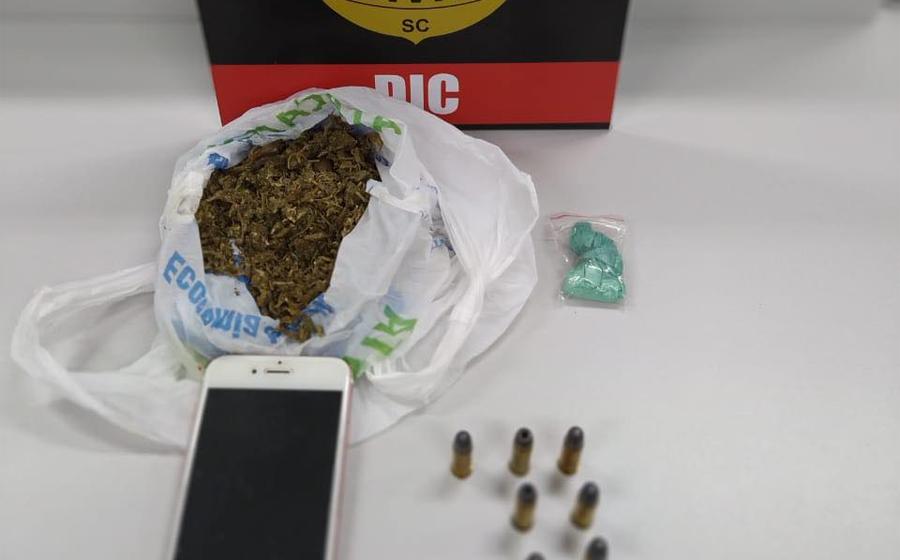 Casal é preso, suspeito de comandar esquema de tráfico de drogas em Rio do Sul e Lontras