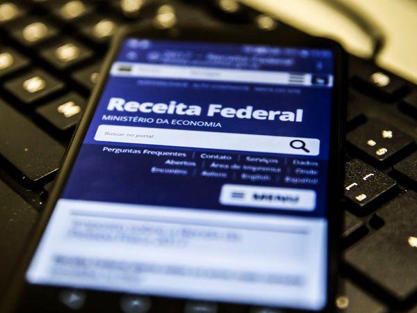 Relator propõe redução de Imposto de Renda de empresas para 2,5% e mantém tributação de lucros em 20%