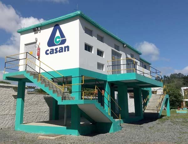 Com baixo nível de água no Rio Itajaí Açú, Casan pode voltar a instalar bomba suplementar para captação