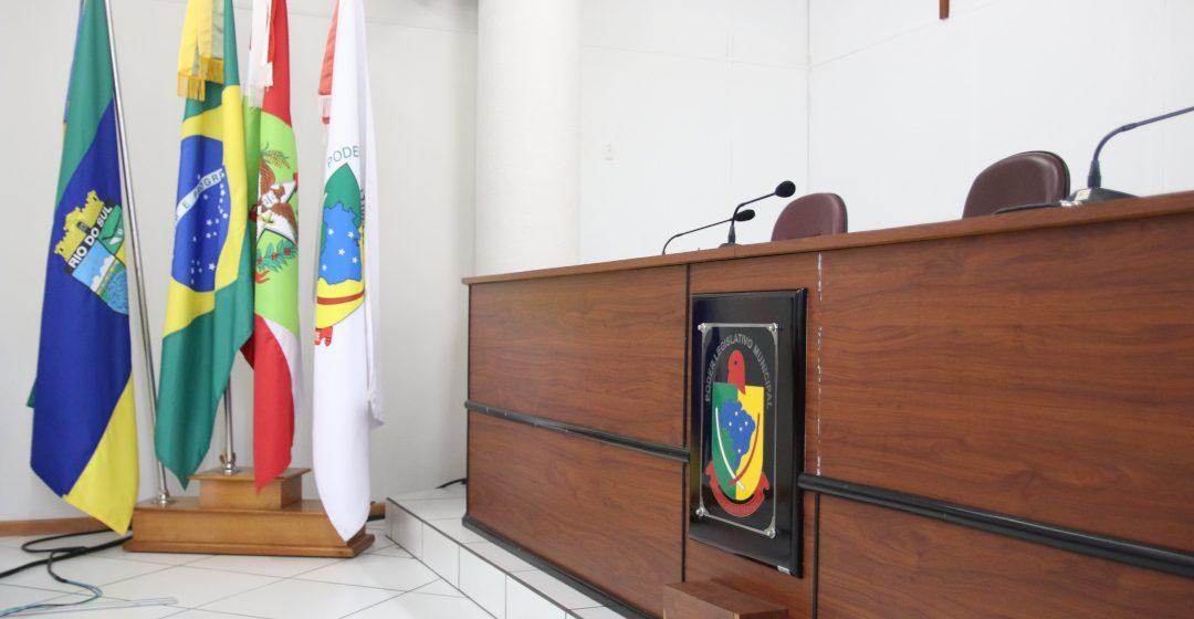 Vereador Nilso não assegura voto contrário e projeto que permite parlamentar em cargo de  secretário avança na câmara de RSL